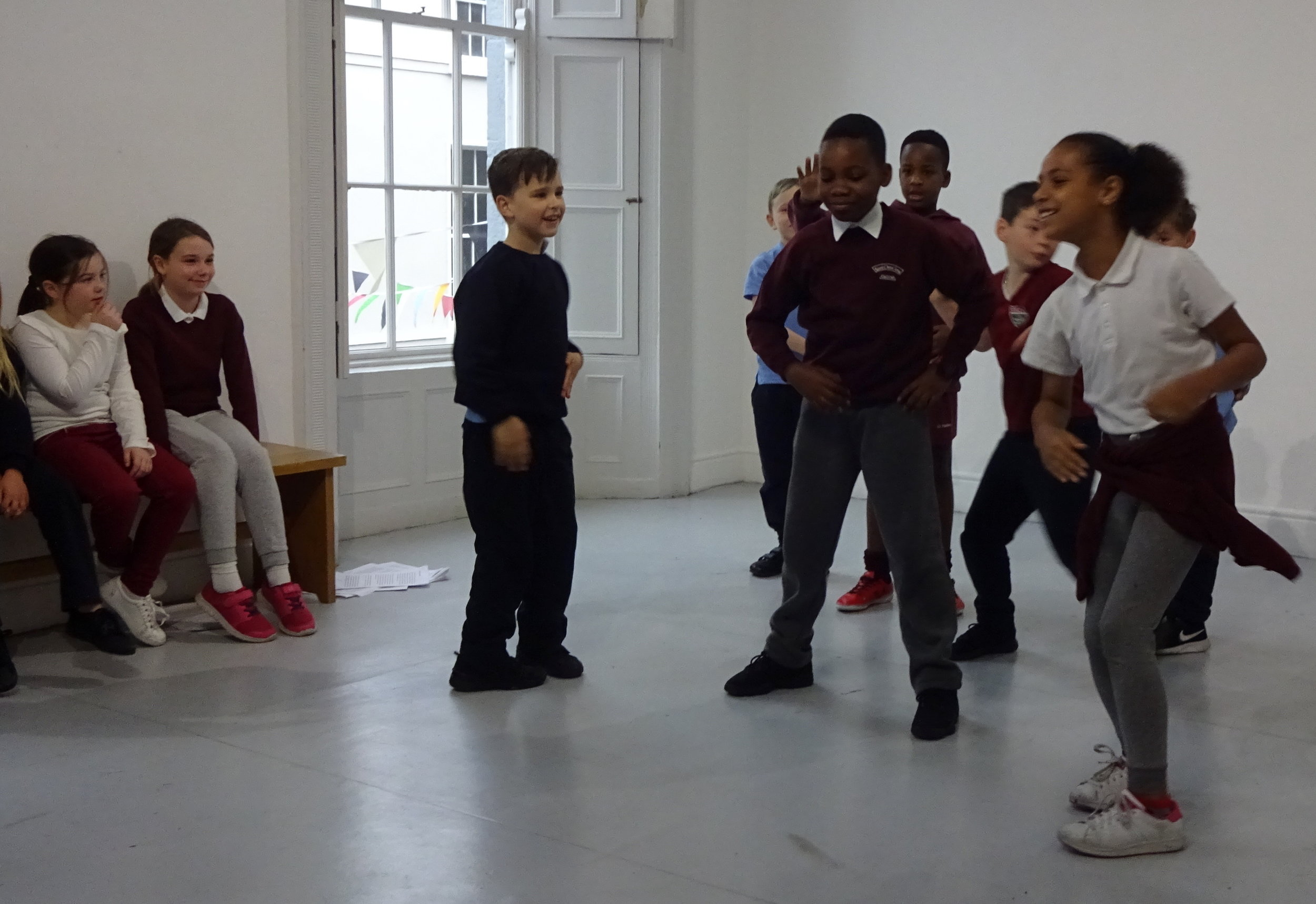 As a way of exploring the movement of other animals, students first did their own choreography of everyday human gestures.