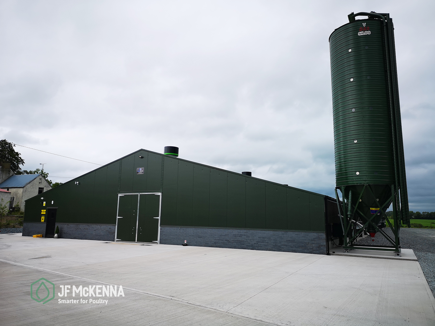 BROILER PROJECT    Republic of Ireland   In 2019, JF McKenna fitted out this impressively finished 40,000 unit poultry house in Monaghan, Ireland.