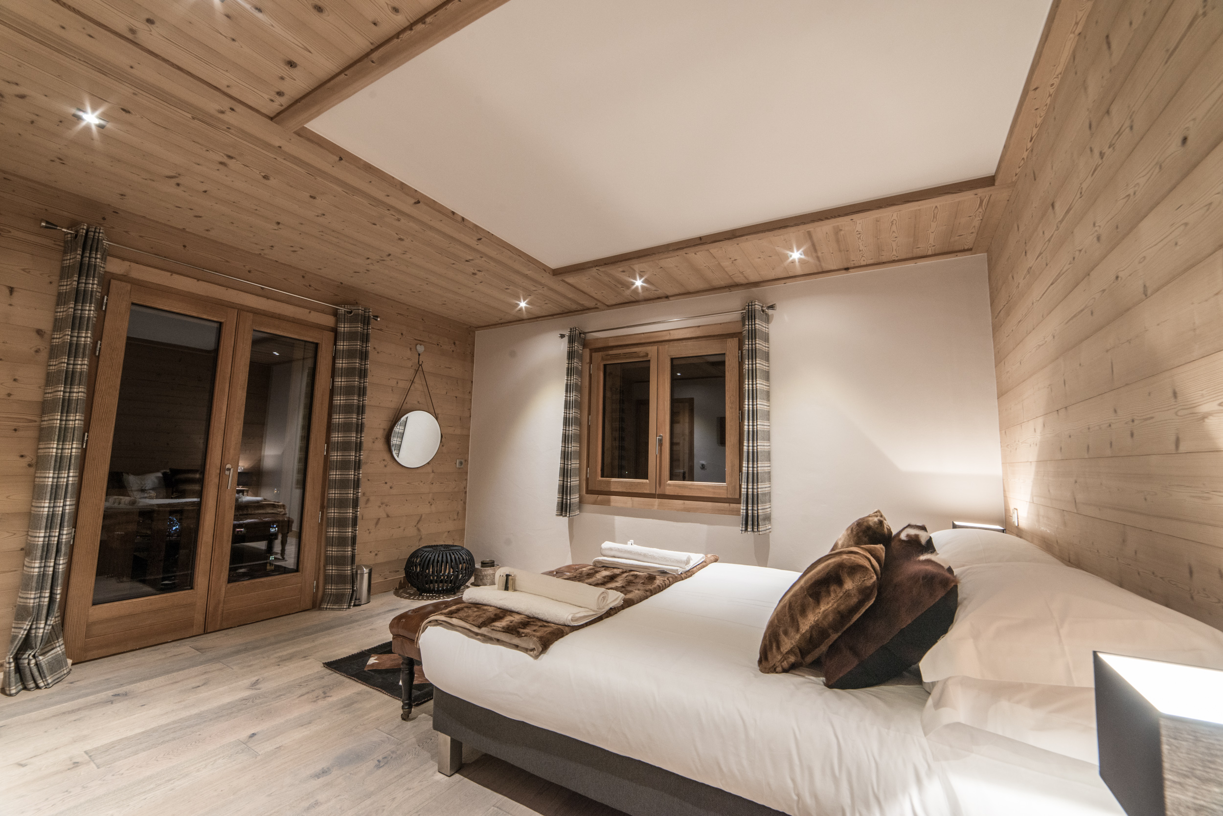 Les Pierrys bedroom 1