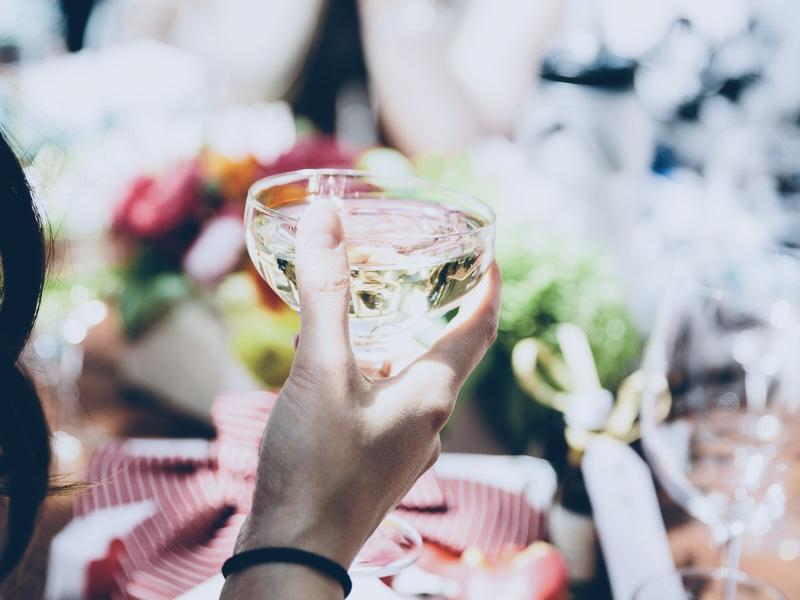 Bridal-shower-champagne.jpg