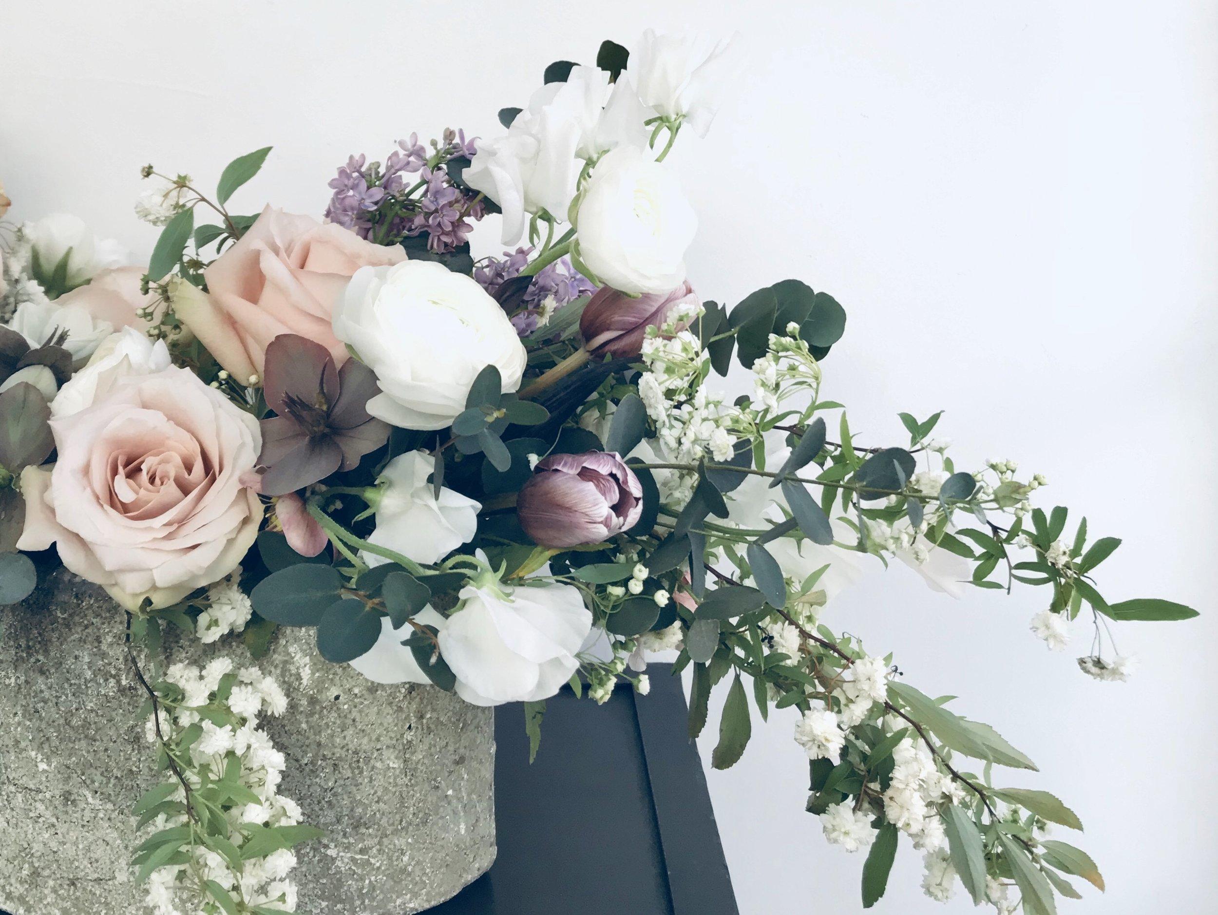 Seasonal-flower-arrangement.jpg
