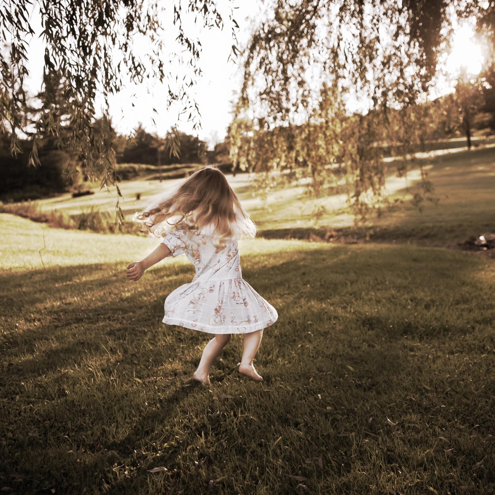 klein meisje danst.jpg