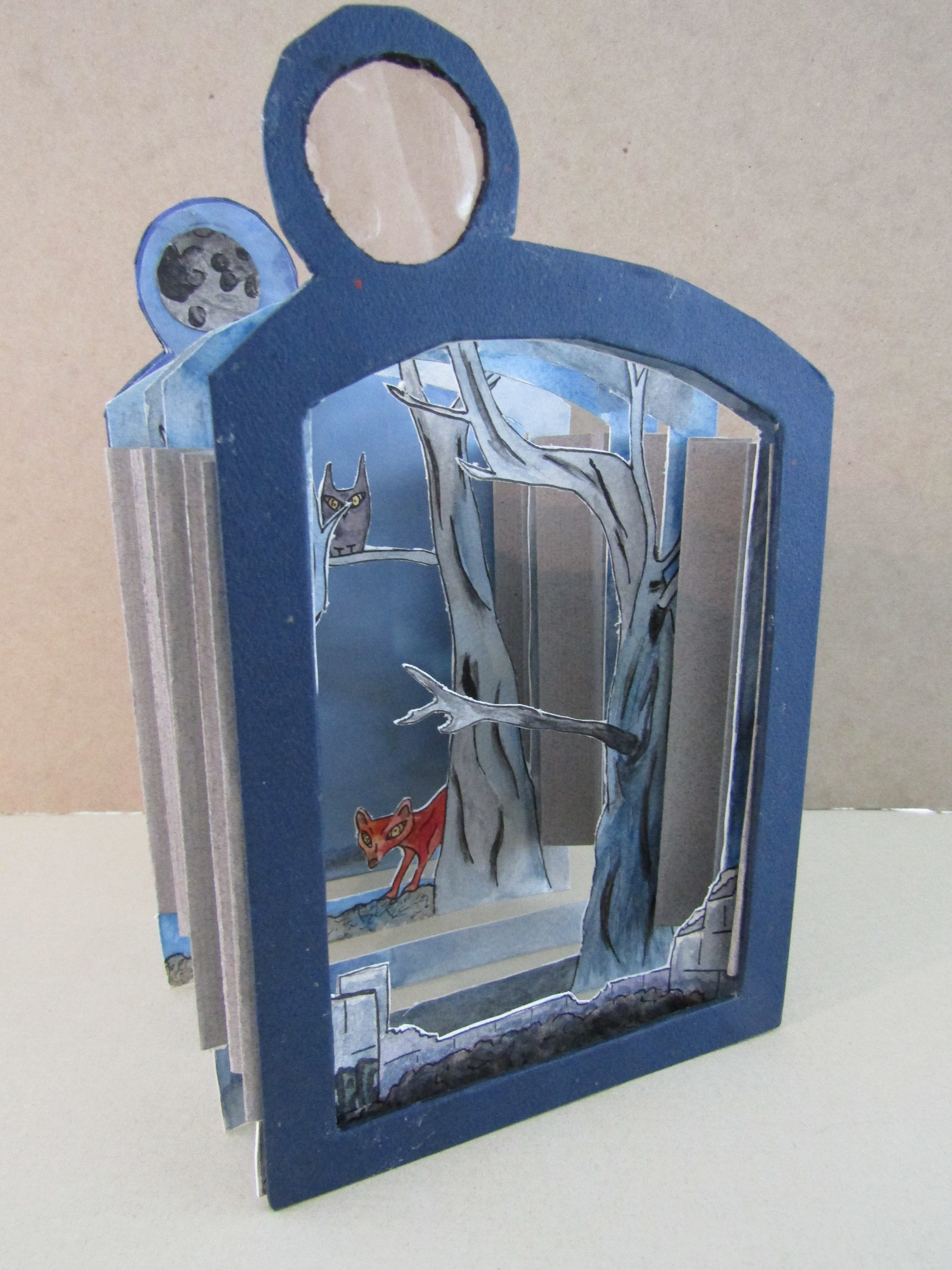 Tunnel Book Structure with Painted Images