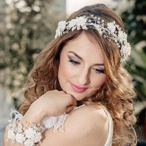 Jodie A Smith Beautiful hair and make up for your big day.
