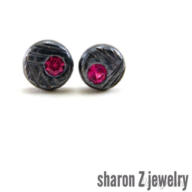 Because hot pink should really be the new black. Introducing new oxidized silver and lab-grown sapphire studs. Link in my profile! #hotpinkisthenewblack #labgrownsapphire