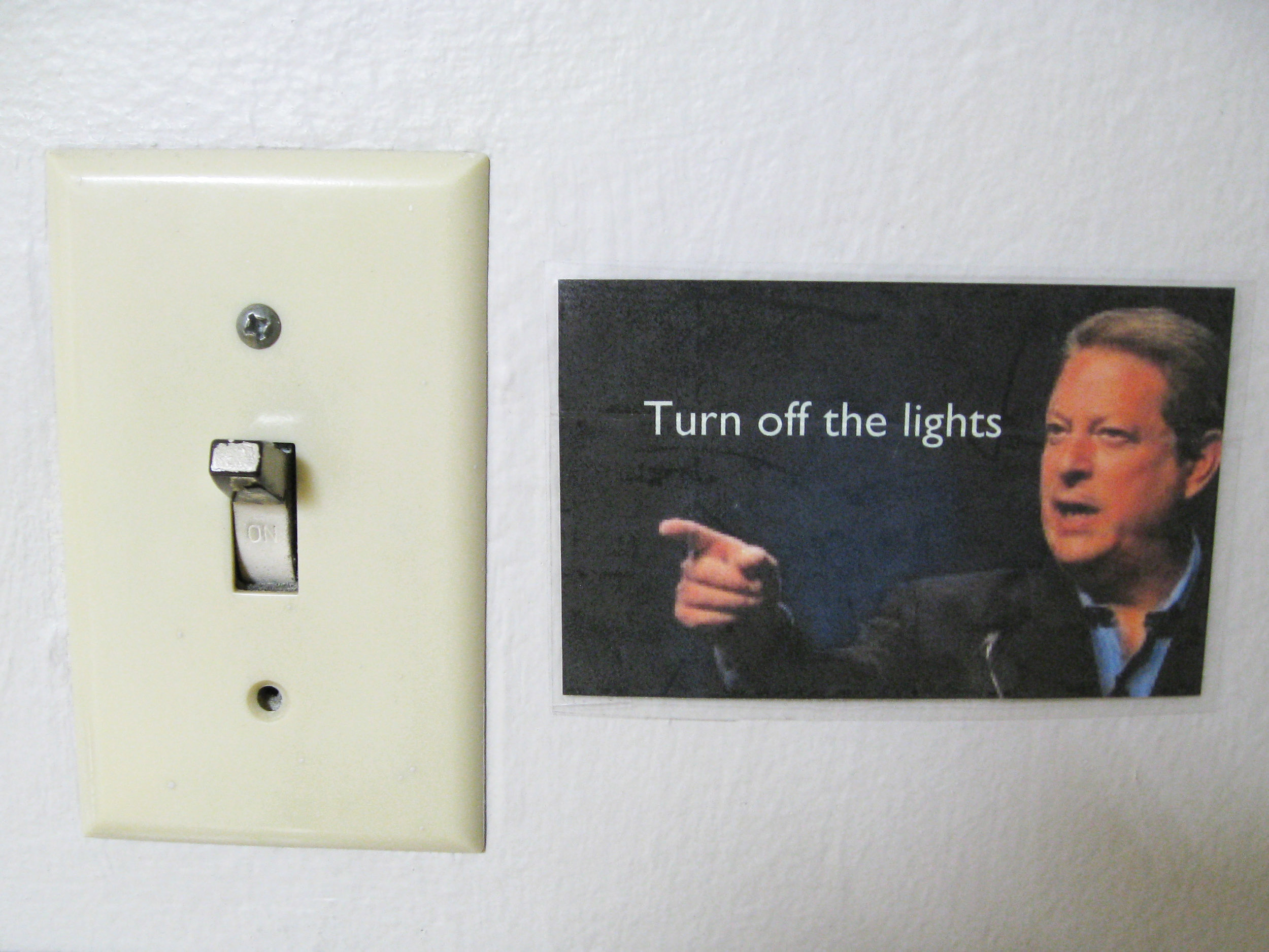 Al Gore reminds us to turn off the lights everyday