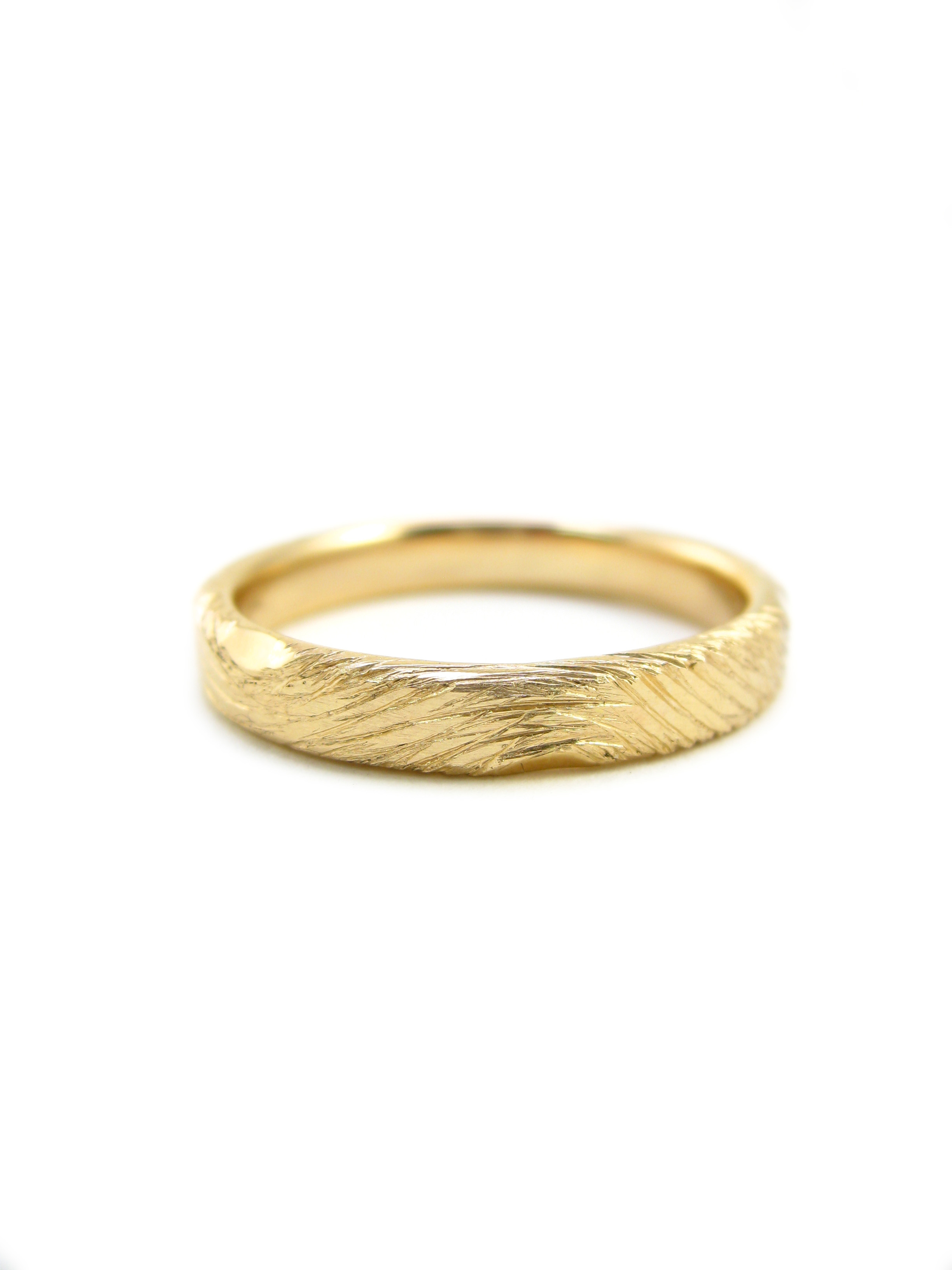 Hand carved wood grain ring in 14 karat YGRI-068-14karatgold.jpg
