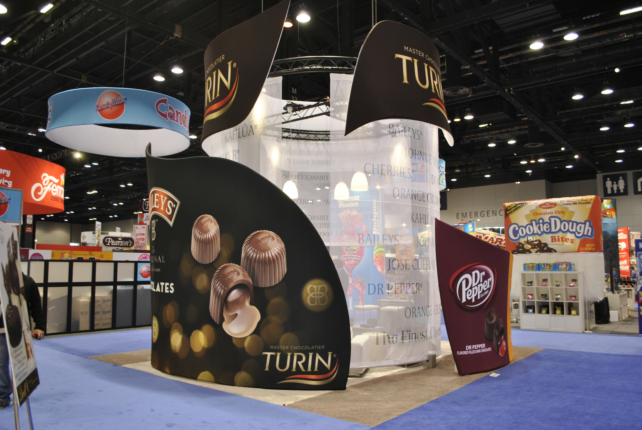 Tension fabric trade show exhibit