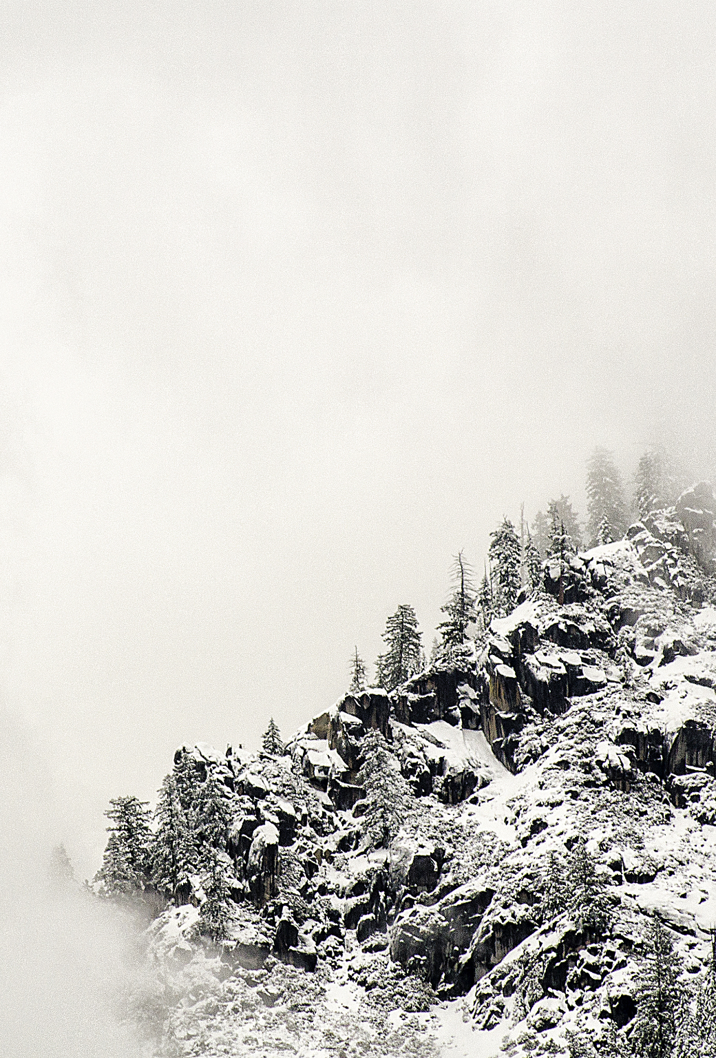 Wasim_Muklashy_Photography_Yosemite_Lady_In_White_iPhone5