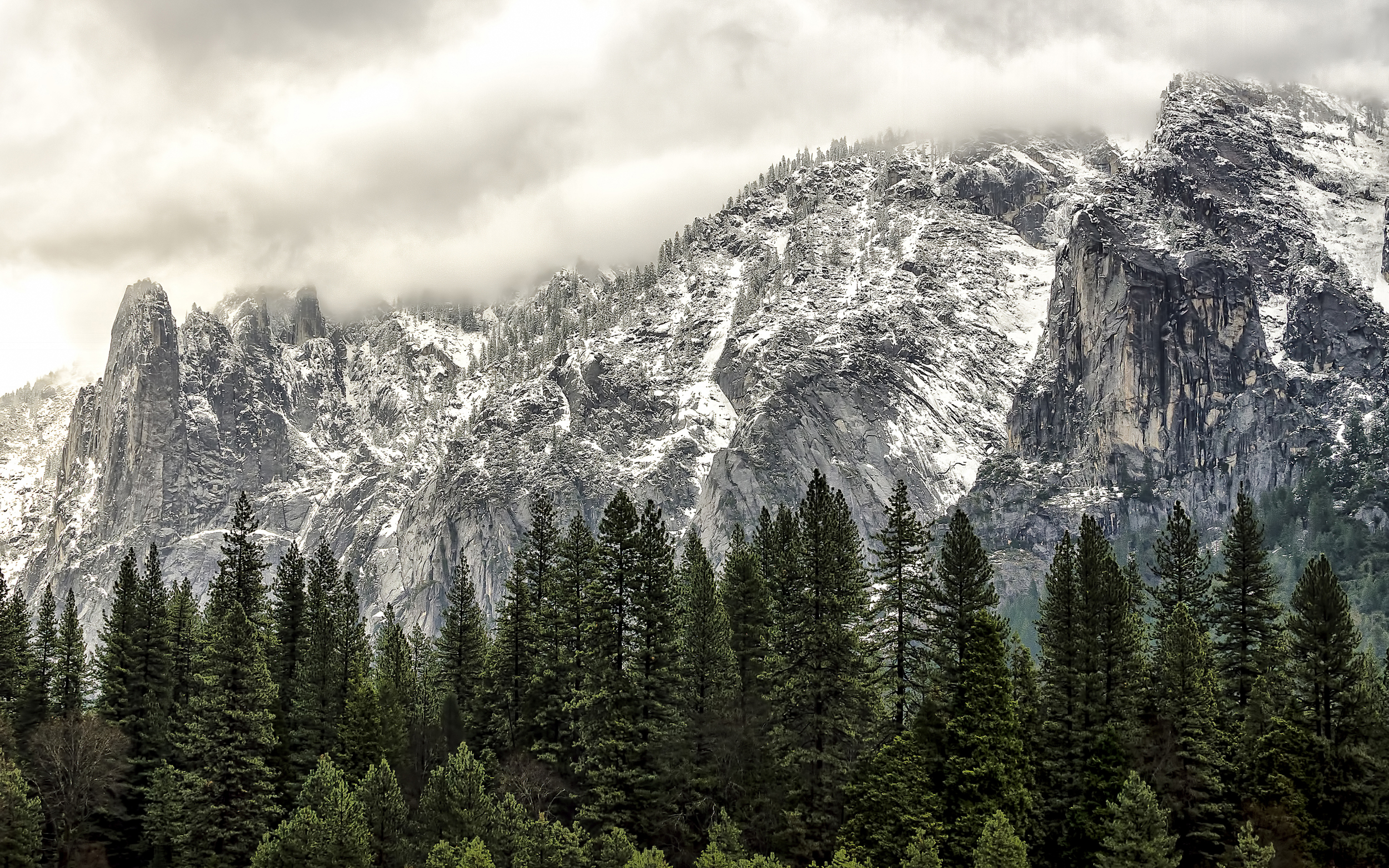 Wasim Muklashy Photography_Apple OS X Yosemite_spirits in yosemite wide.