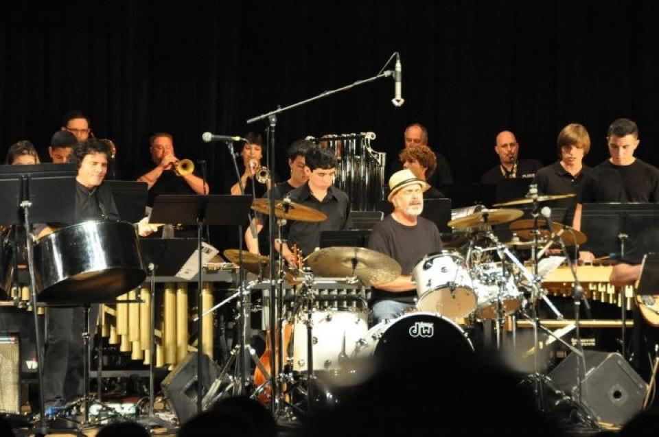 Performance w/Danny Seraphine of Chicago
