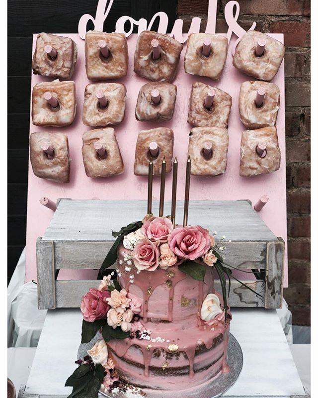 But what's a party without cake and a vanilla donut wall? 🎉 • • • • • #cakes #weddingcakeslondon #weddinglondon #londonweddingcakes #timeoutlondon #bridalcake #cakestagram #baking #gbbo #bakinglondon #chefsofinstagram #saltedcaramel #vanillabean #desserts #dessertpots