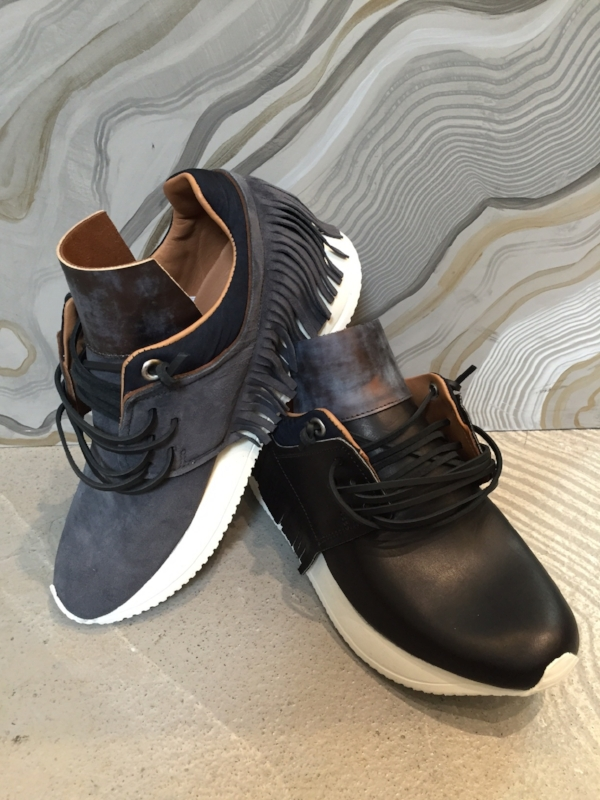 esseutesse fringe sneakers