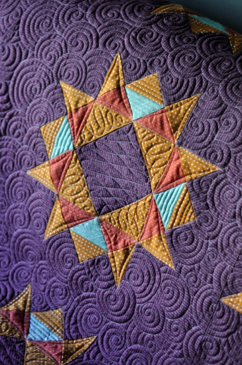 Brighten the Corners quilt pattern, made and photographed by  Alison Gamm  (quilted by me).