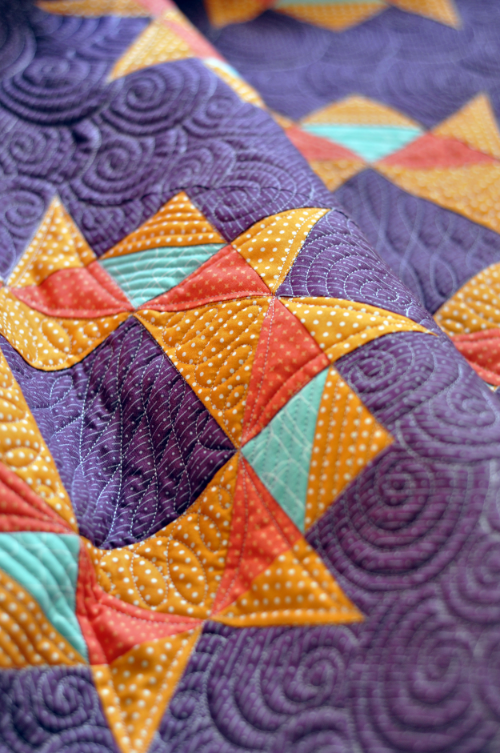 Quilt pieced and photographed by  Alison Gamm .