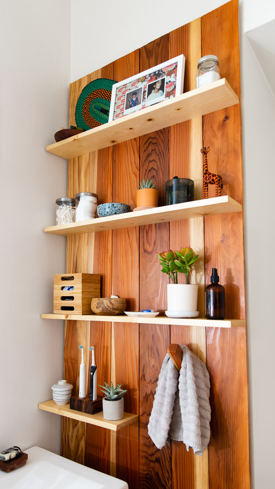 alexa-wright-home-furniture-redwood-shelf