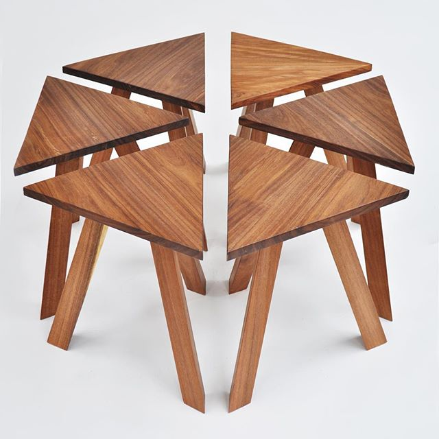 "El banquito ""Triangle"", originalmente parte de la colección 101001000, regresa con nuevas dimensiones. ▲  This is a reissue with new dimensions of ""Triangle"". Originally part of the 101001000 collectiob nominated in the ""Designs of the year 2015"" by the @design_museum_london"