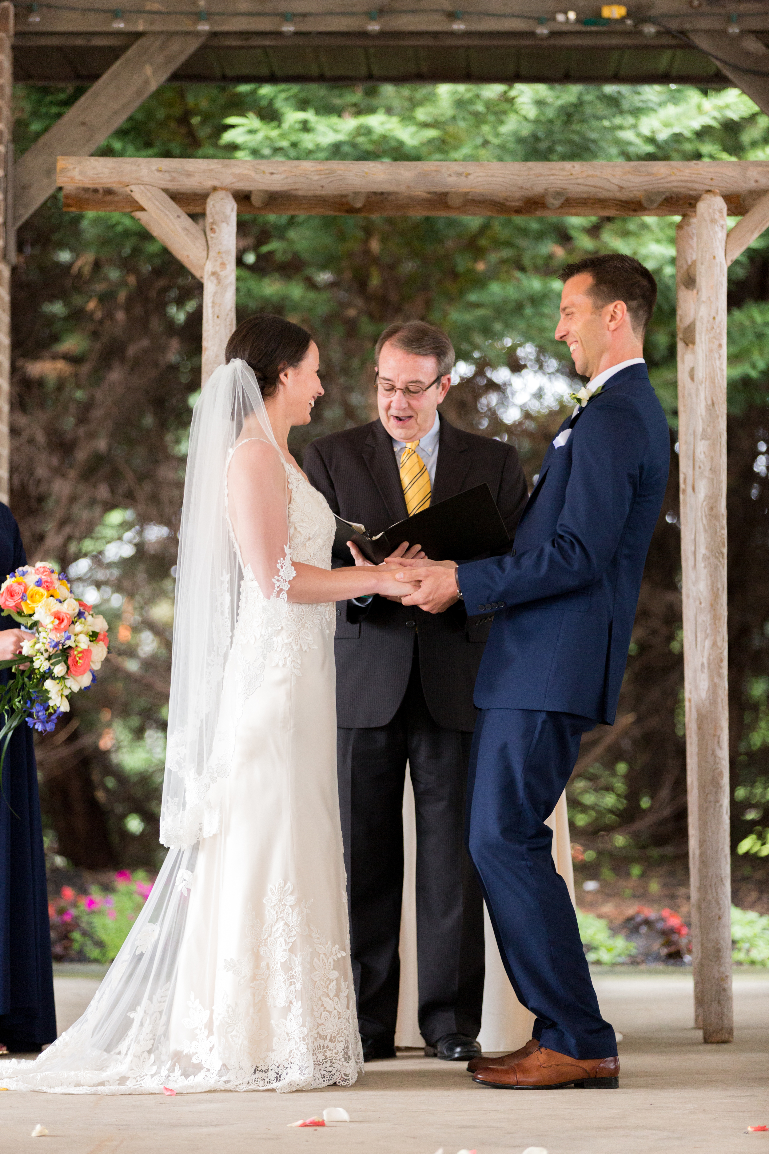 bride_and_groom_at_alter_stonewerks