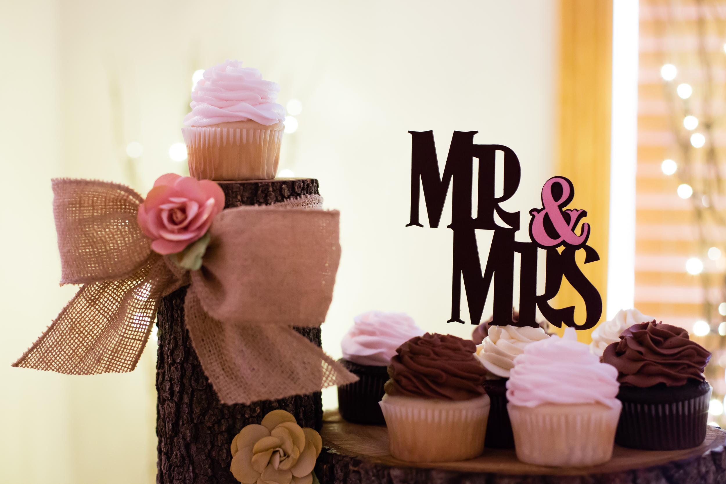 wedding_cupcake_topper