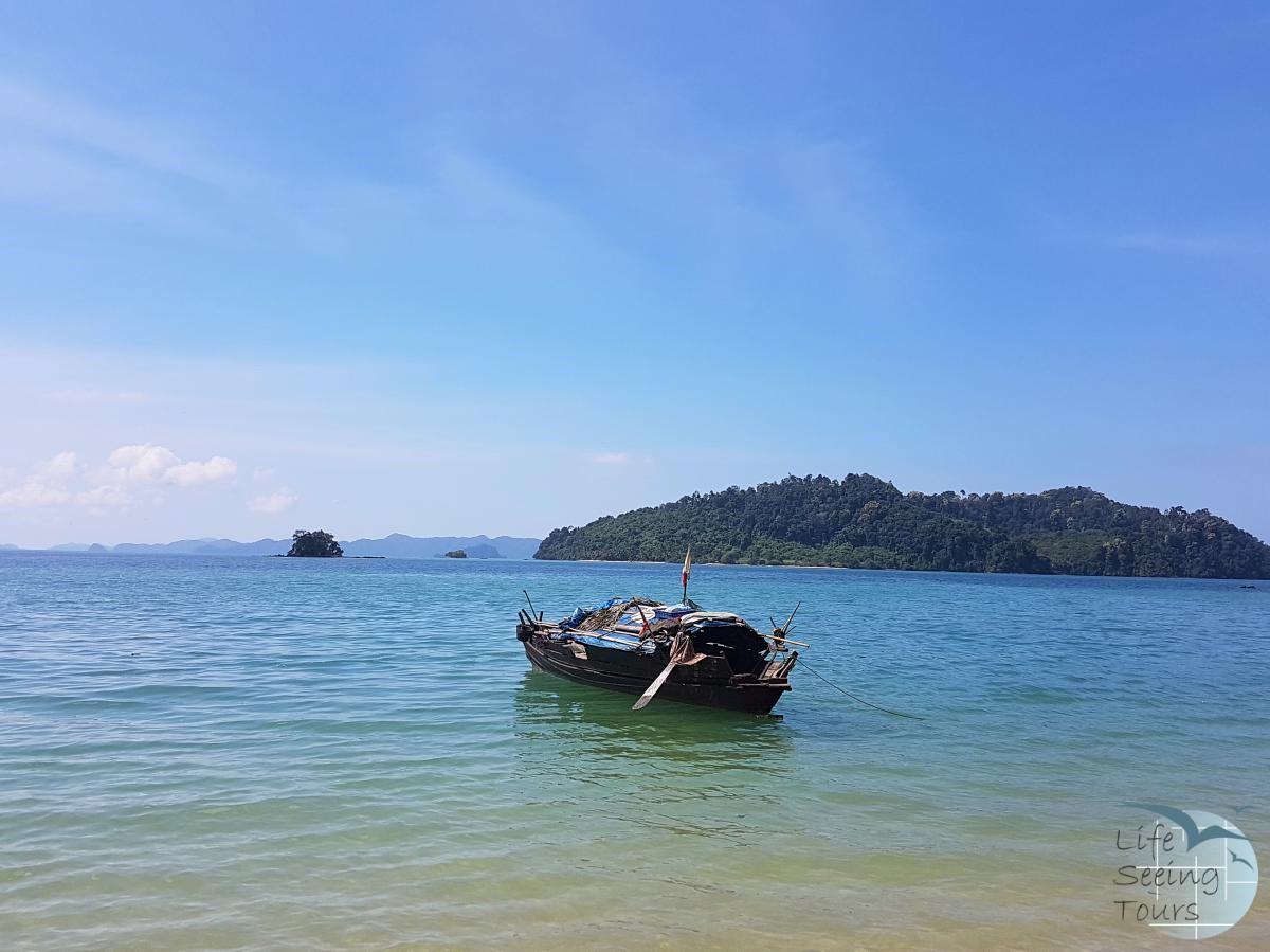 Moken Boat.jpg