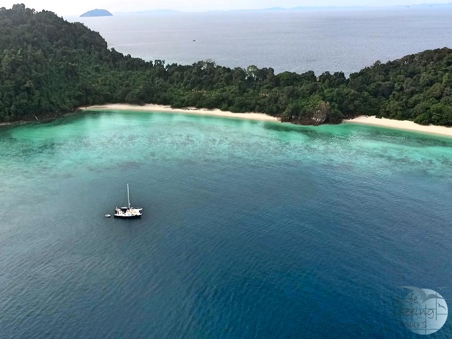 800 islands