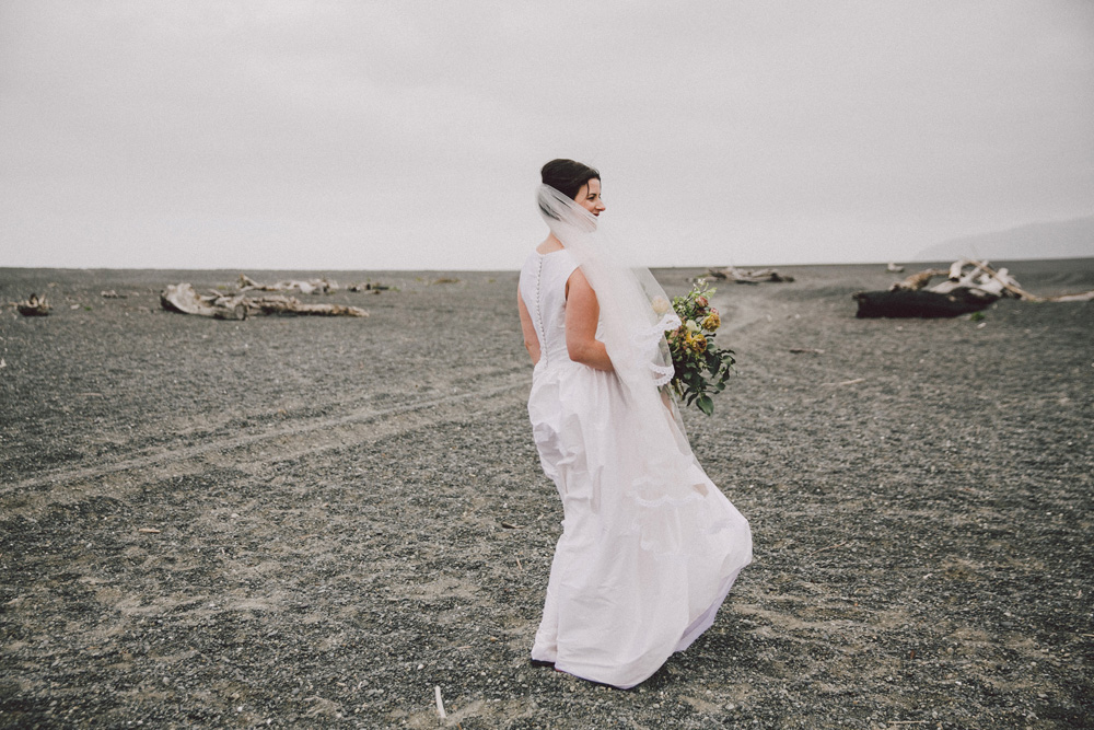 Sarah_McEvoy_wairarapa_wedding_lakeferry_092.jpg
