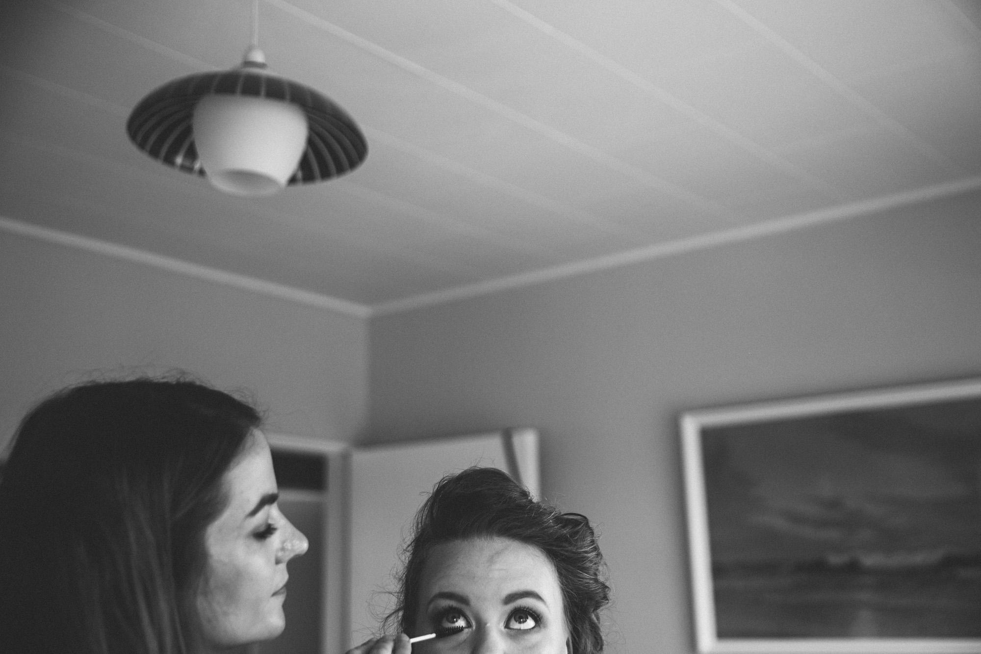 Sarah_McEvoy_Titahi_Bay_Wedding_005.jpg