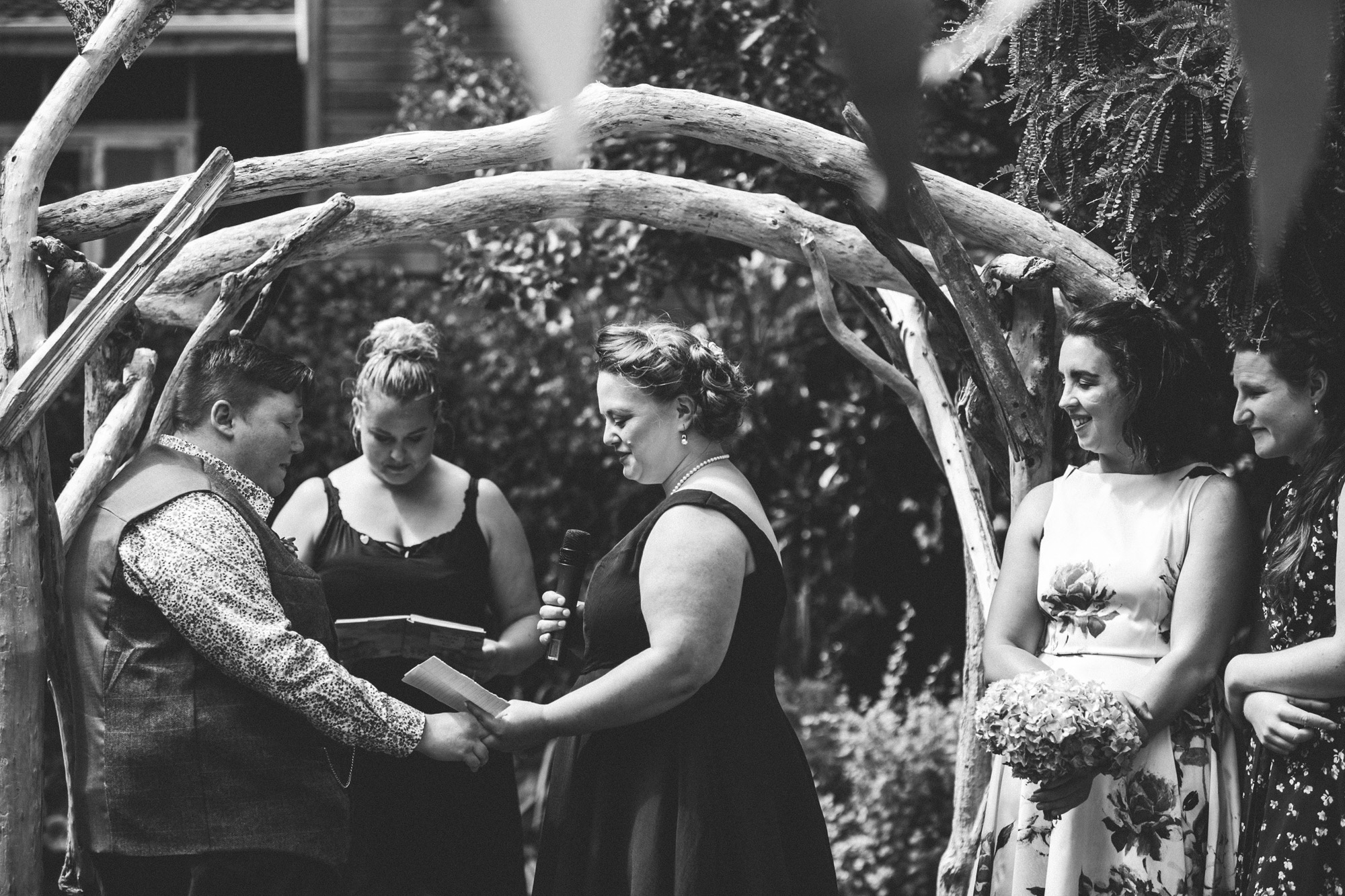 Sarah_McEvoy_Titahi_Bay_Wedding_044.jpg