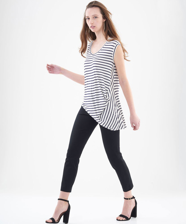 6556 - Easy knit T-shirt with a flare, high-low hem & gathers
