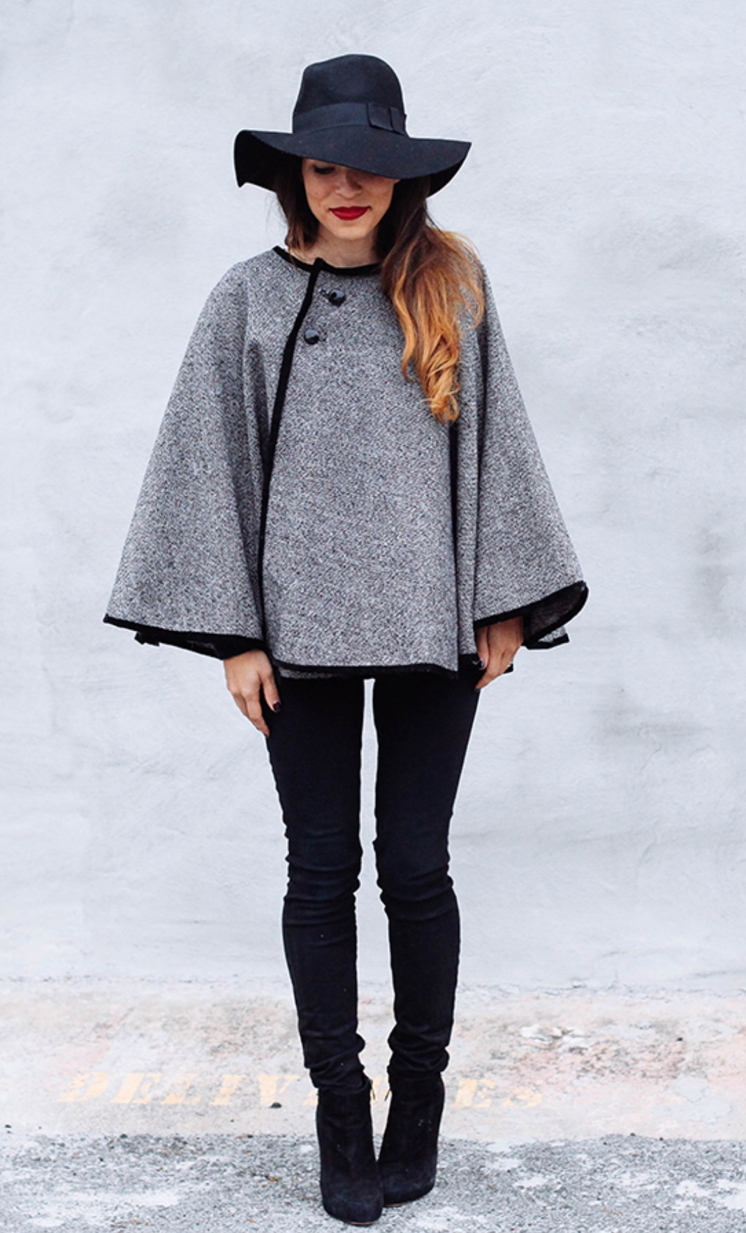 Wrap Around Cape Tutorial from In Honor of Design