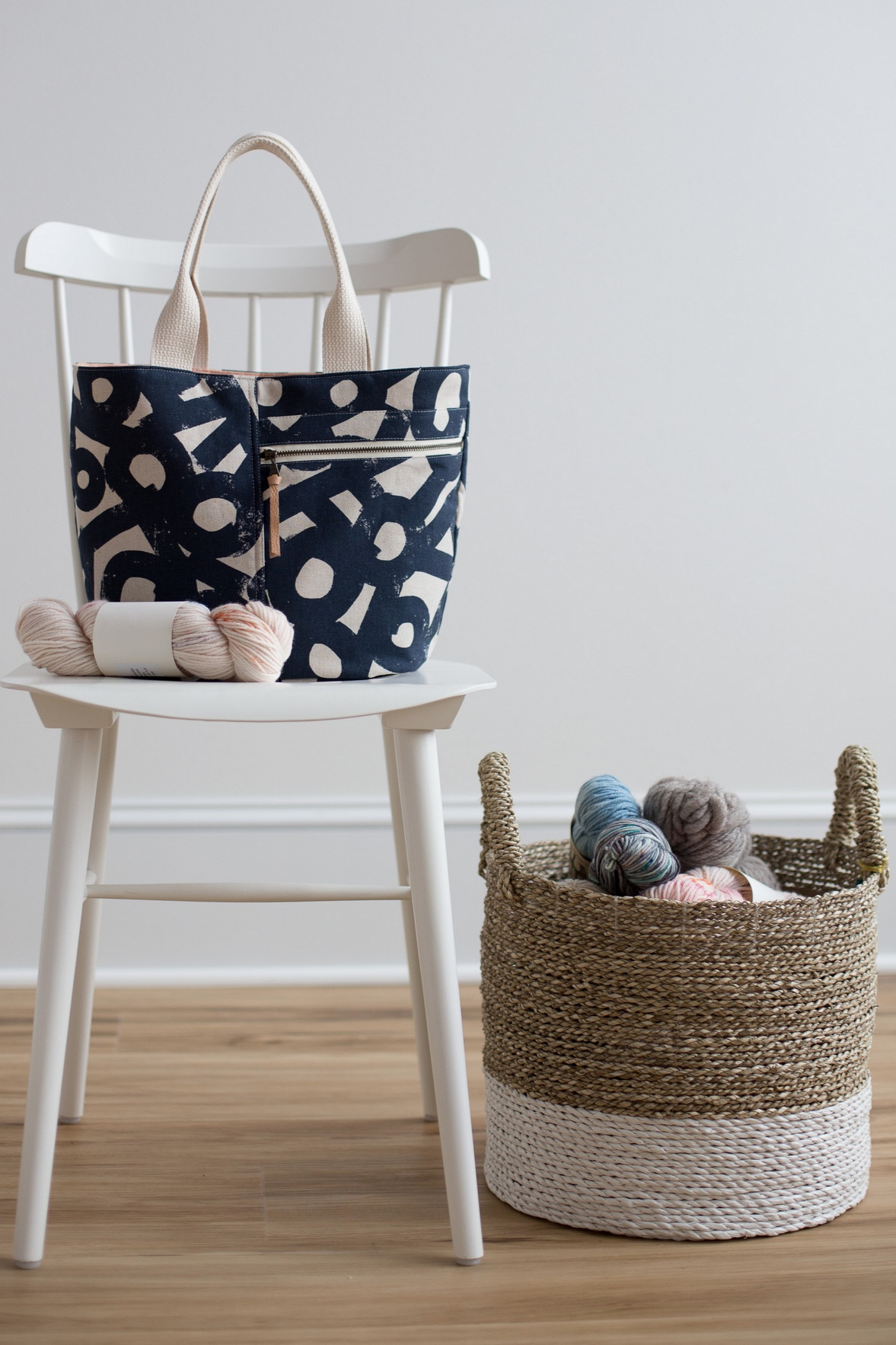 Crescent Tote sewing pattern by Noodlehead