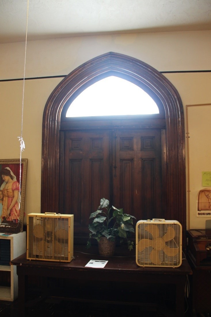 27 View east showing interior of S. 20th Street 1st floor entry door, which is original to the 1869 construction.jpg