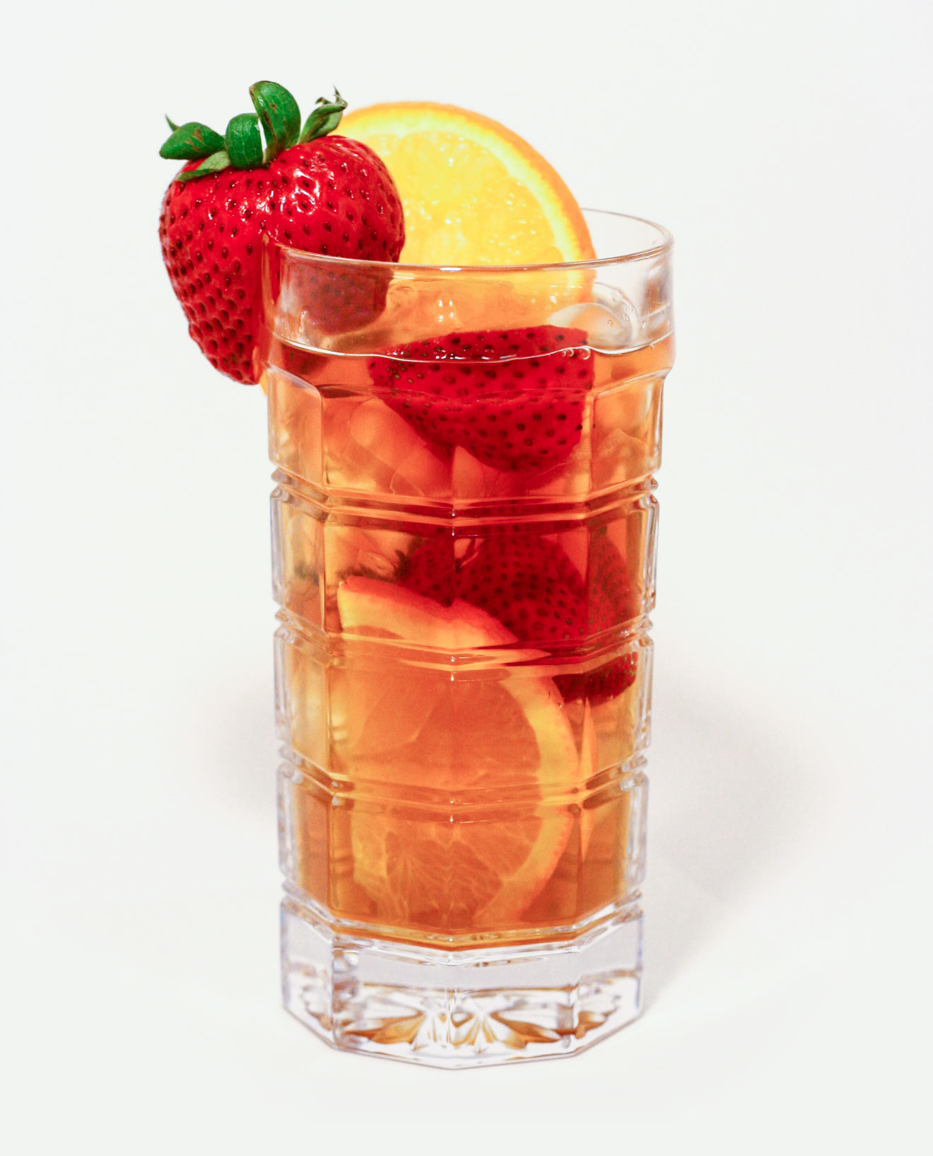 To make the Ascot iced tea - In a one quart pitcher:Measure 1/3 cup organic pure cane sugar into pitcher.Place 4 TBS. Ascot tea in filter, place in pitcher.Fill with boiling water; Steep 5 minutes.Remove tea in filter, and stir in sugar.Chill, or pour over ice.