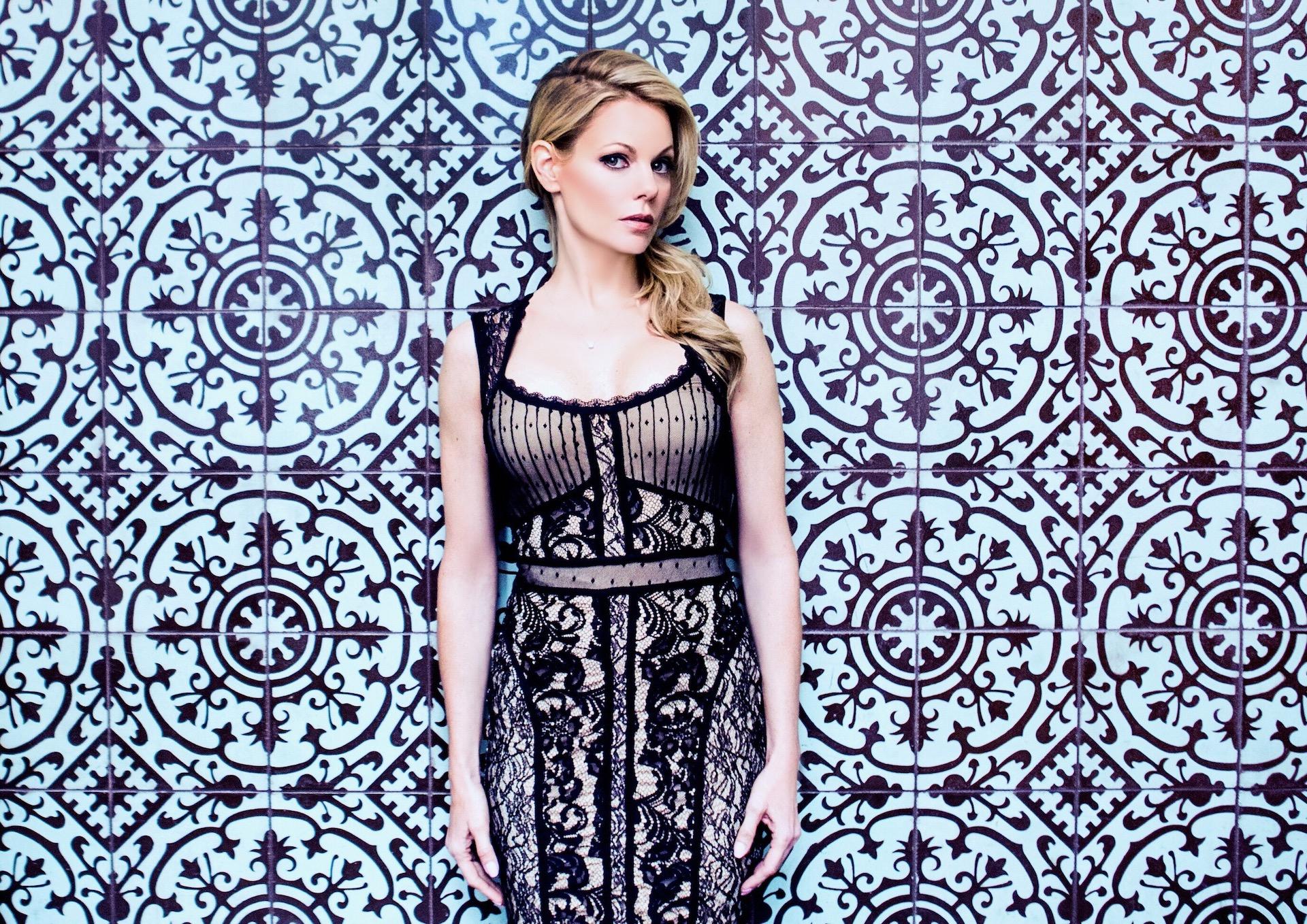Lisa-Varga-blue-patterned-wall.jpg