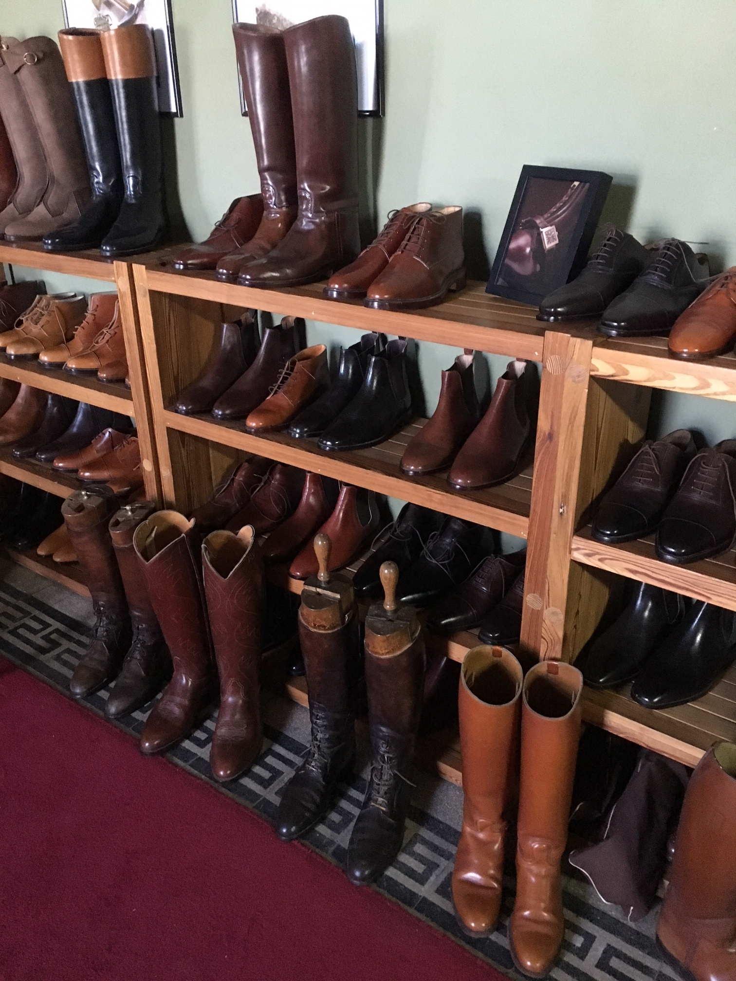 Custom leather boots and shoes BUenos Aires