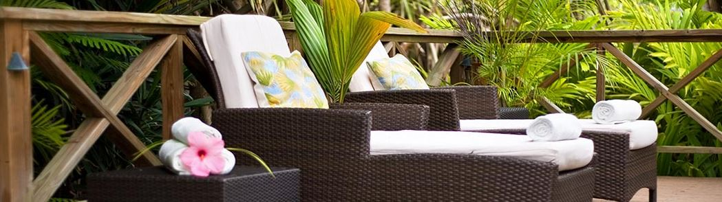 Indulge is inspired by the distinctive look of our Gauguin cottages, and is centrally located, adjacent to the calming waters of our lagoon and surrounding bird sanctuary.