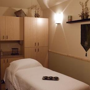 Avia hut room (2).JPG