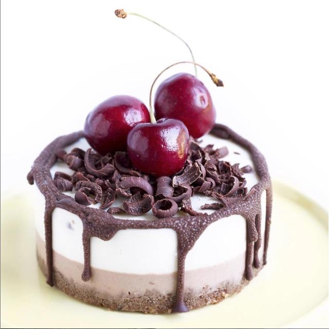 Chocolate Cherry (Raw) Cheesecake