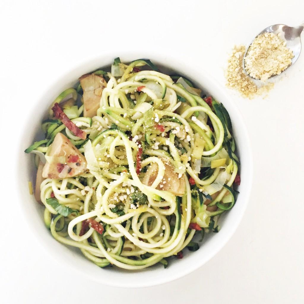 Spaghetti with artichokes & leeks