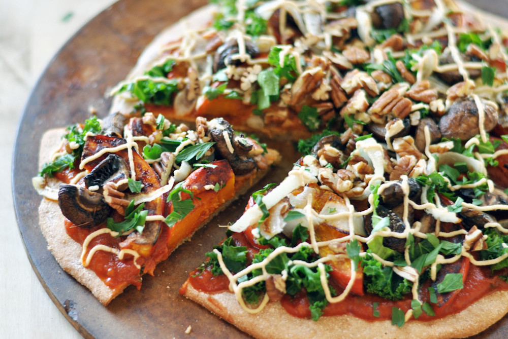 vegan-harvest-pizza-cashew-cheese-colorful-kitchen