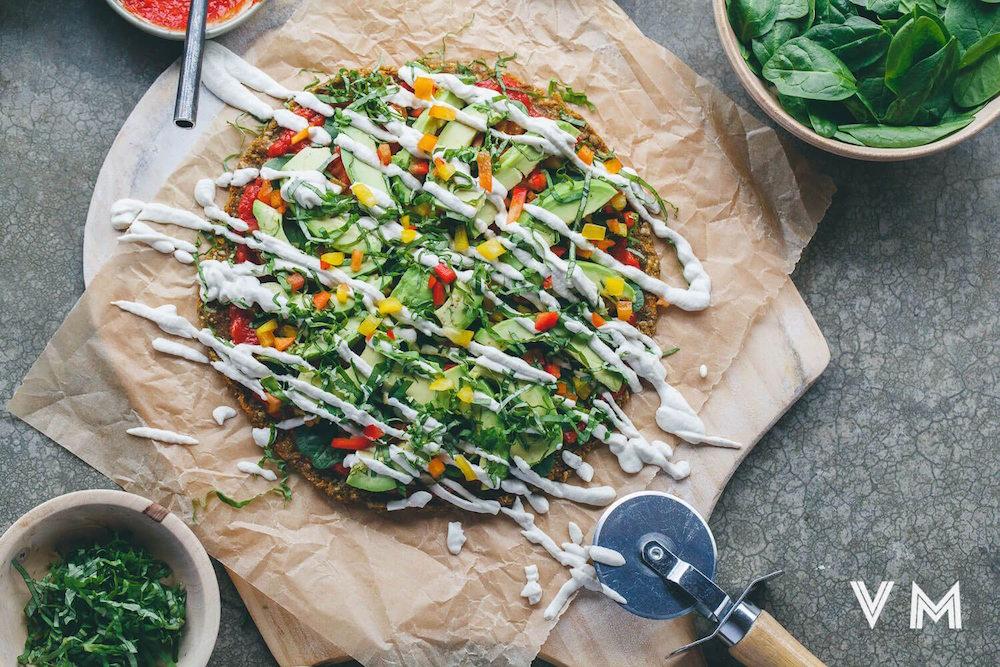 raw-vegan-pizza-pumpkin-sunflower-flax-crust.jpg