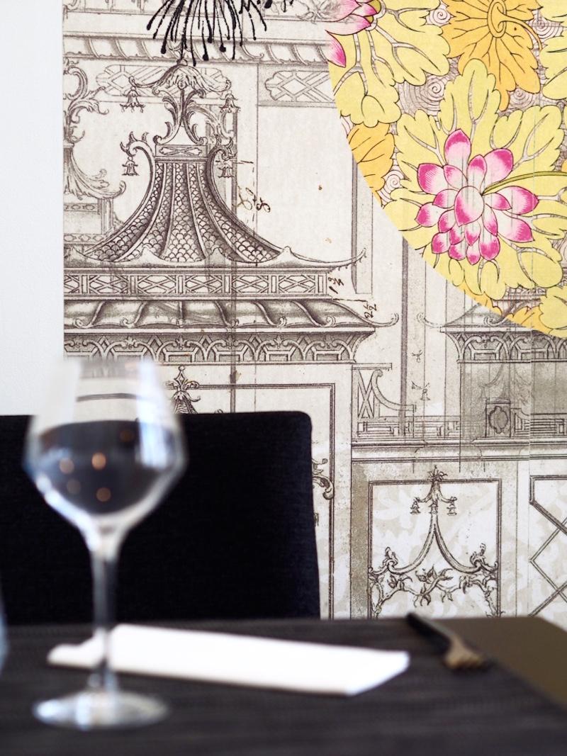 gentle-gourmet-restaurant-review-vegan-menu-paris-future-king-queen-artwork.jpg