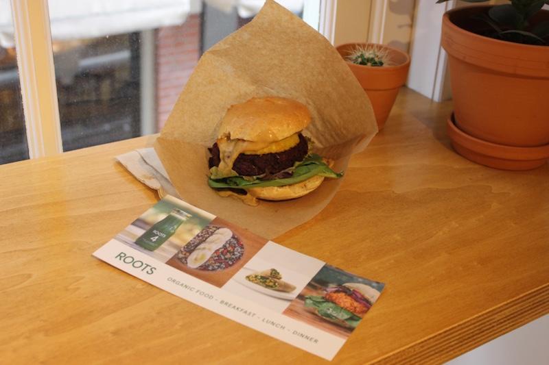 amsterdam-vegan-healthy-organic-cafe-roots-futurekingandqueen.jpg