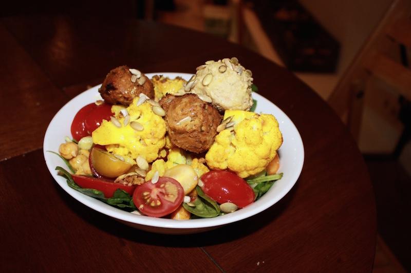 vegan-pumpkin-falafel-hummus-salad-SLA-amsterdam.jpg