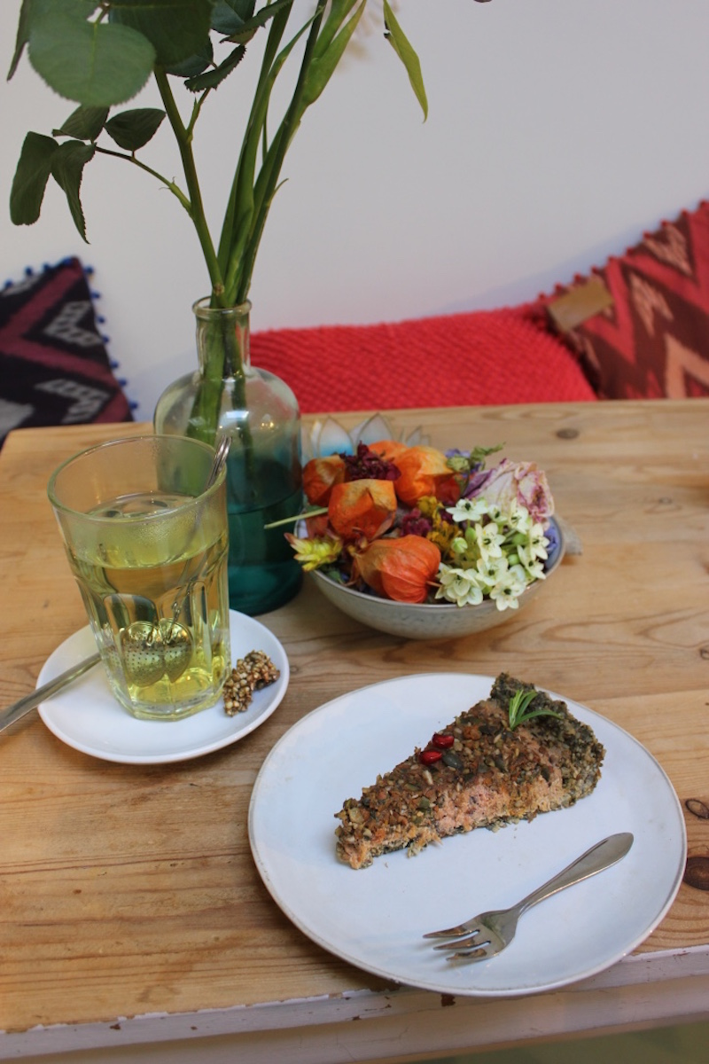 YAY-amsterdam-raw-vegan-restaurant-quiche.jpg