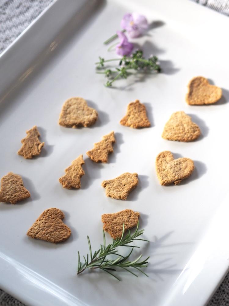 vegan-scottish-oatcake-biscuits-recipe.jpg