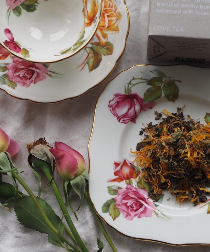 ways-to-ditch-plastic-in-home-kitchen+organic-looseleaf-eco-herbal-tea.jpg