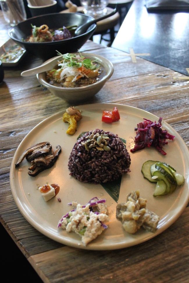 best-melbourne-vegan-vegetarian-japanese-ramen-food-dinner-review-neko-fitzroy.jp