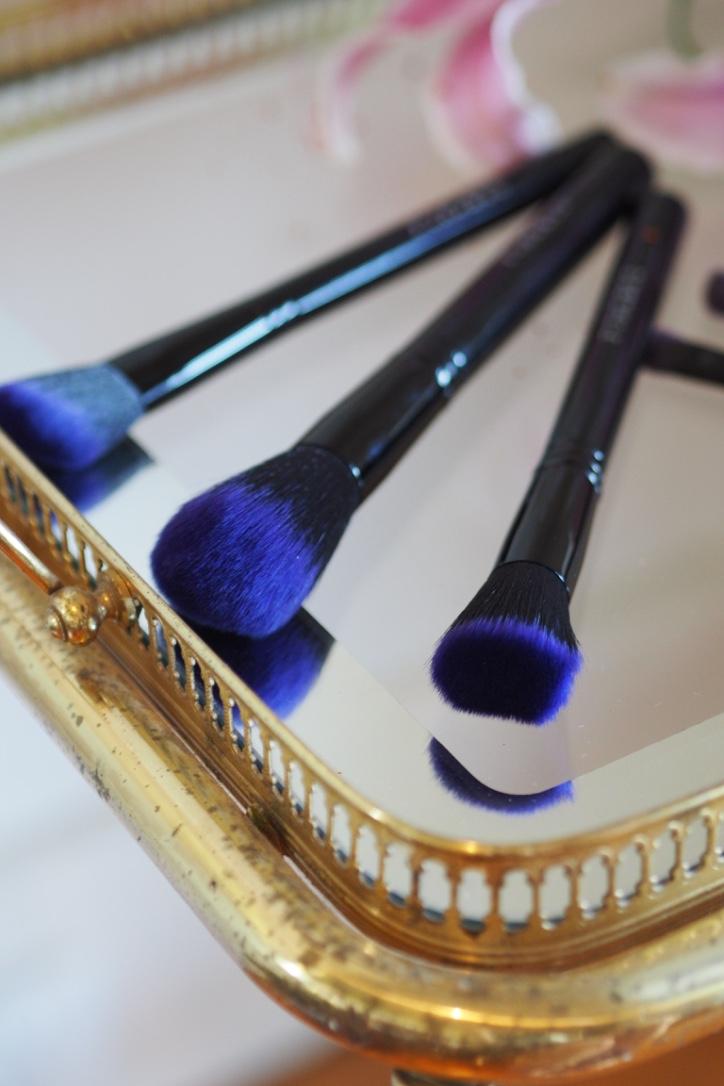 vegan-cruelty-free-makeup-brushes-eyeshadow-furless-cosmetics-review.jpg