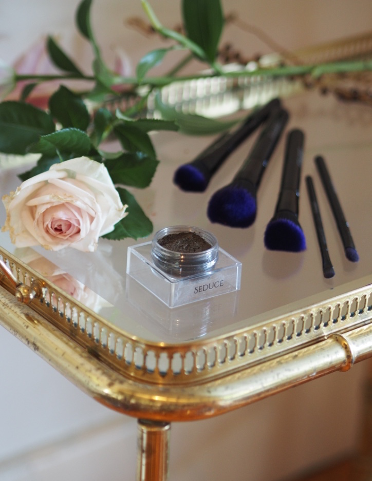 Furless Cosmetics Review:Luxury Cruelty-Free Eyeshadow + Brushes -